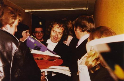 Barry signs at RAH 1972 Concert